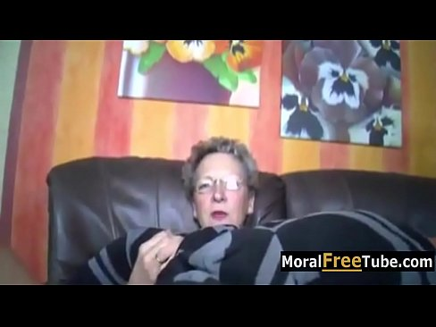Son Fucks Old Mom – MoralFreeTube.com