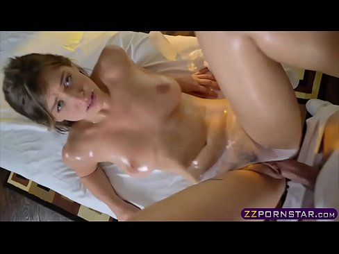 Masseur Guy Fucks An Oiled Up Blonde Teen Really Hard