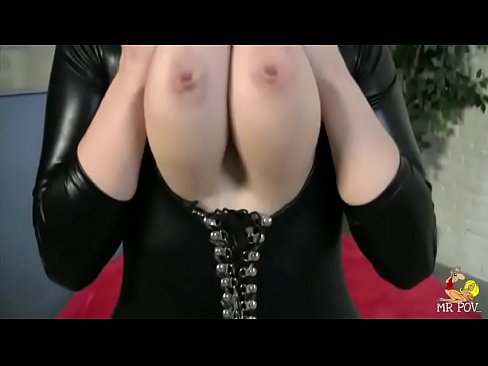 Siri Has Big Tits, A Big Ass, And A Tight Suit To Suck And Fuck In
