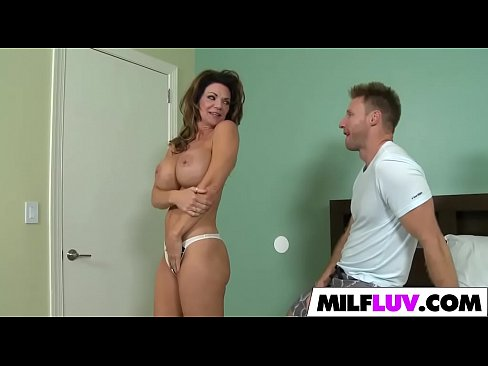 Huge Fake Tits MILF Deauxma Gets Fucked